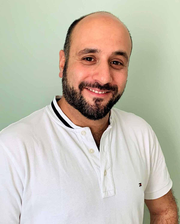 Daniel Tehrani, Physiotherapeut